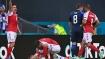 UEFA Euro 2020: ಆಟದ ಮಧ್ಯೆಯೇ ಕುಸಿದ ಆಟಗಾರ, ಡೆನ್ಮಾರ್ಕ್-ಫಿನ್ಲ್ಯಾಂಡ್ ಪಂದ್ಯ ಅಮಾನತು!