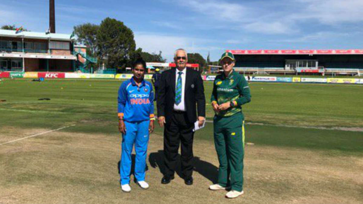 India women team opted to field in first T20 match against S.Africa