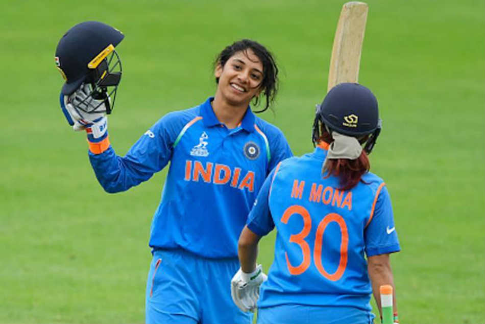 Indian women cricket team gave 214 target to S.Africa team