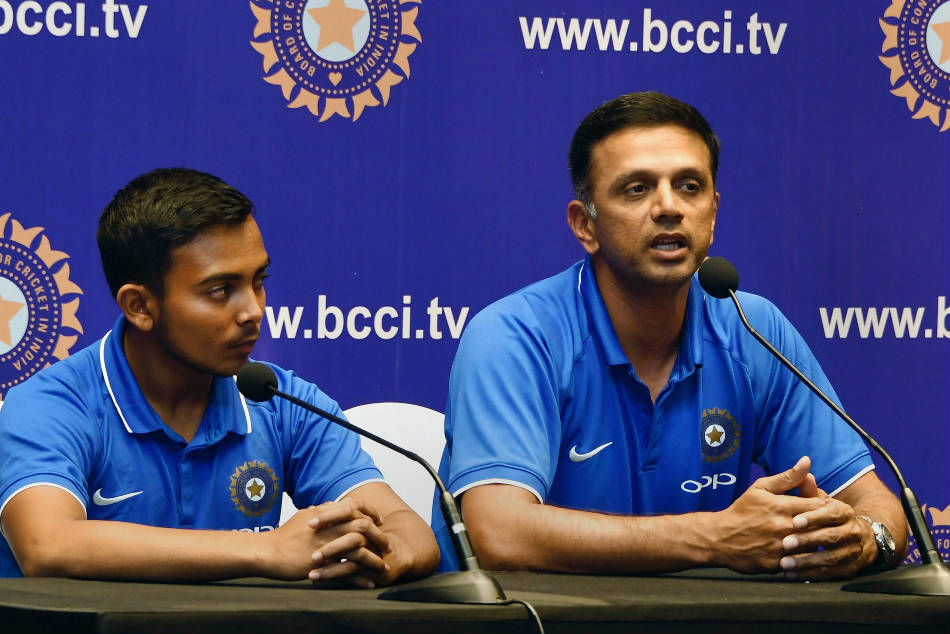 Rahul Dravid Ask Bcci To Treat All Eqauly