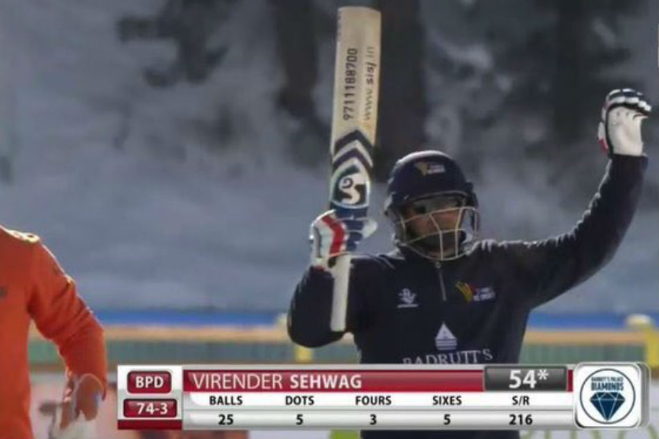 Virendra Sehwag slams half century in Ice Cricket