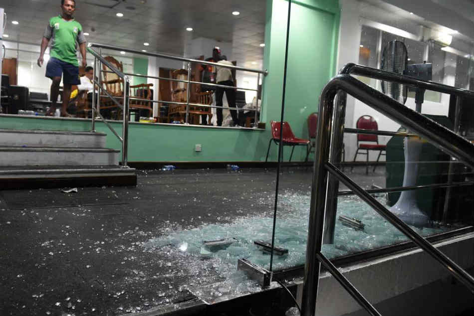 Bangladesh cricket players destroys dressing room after the match