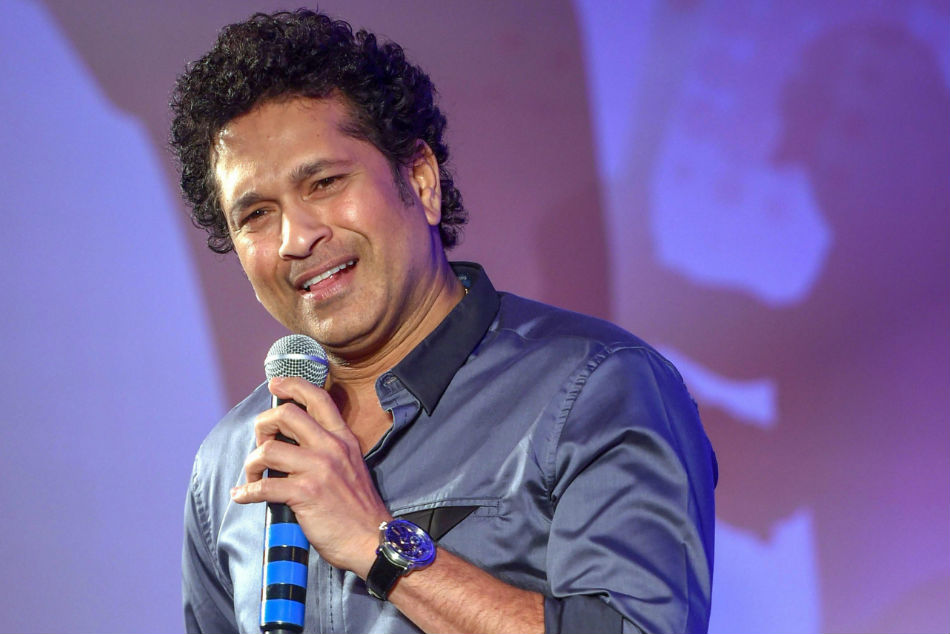 Sachin played gully cricket: video goes viral