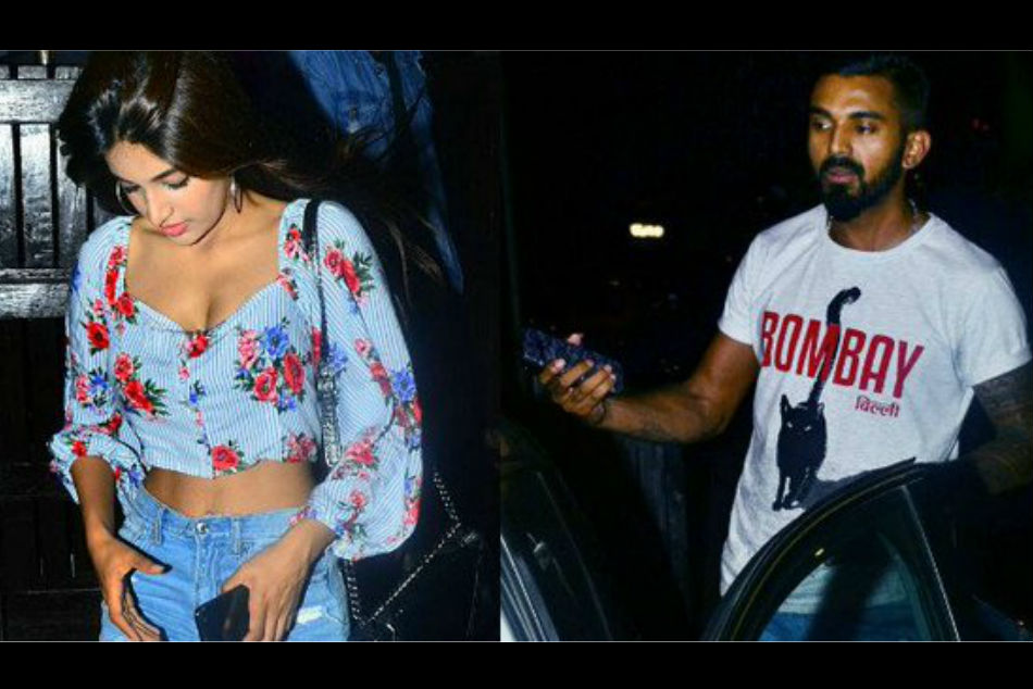 Kl Rahul Spotted Leaving Mumbai Eatery With Nidhhi Agerwal