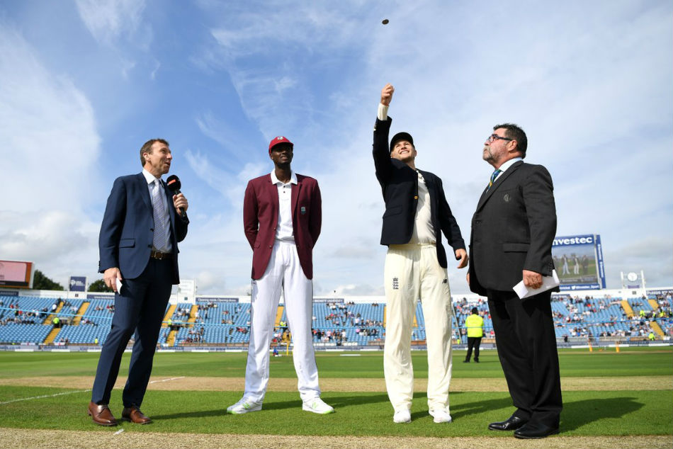 ICC panel decides not to drop toss in Tests, tighten tampering laws