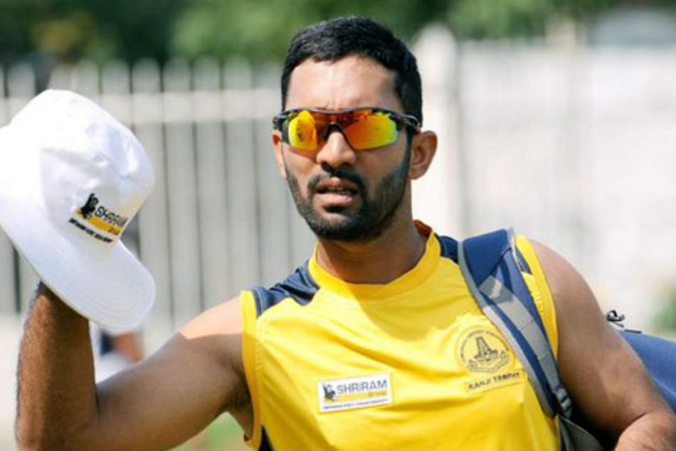 Dinesh Karthik to replace injured Wriddhiman Saha for Afghanistan Test