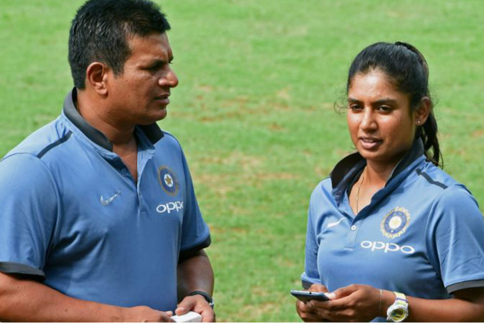 India womens coach Tushar Arothe steps down