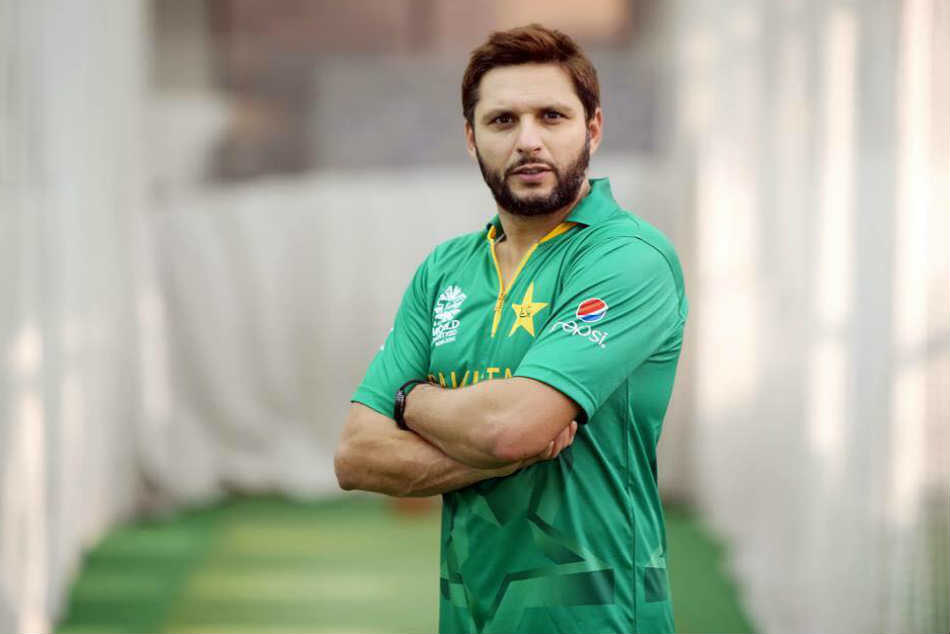 shahid afridi offers support to kerala flood victims