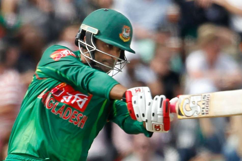 Bangladesh Opener Tamin Iqbal played in one hand against Sri Lanka