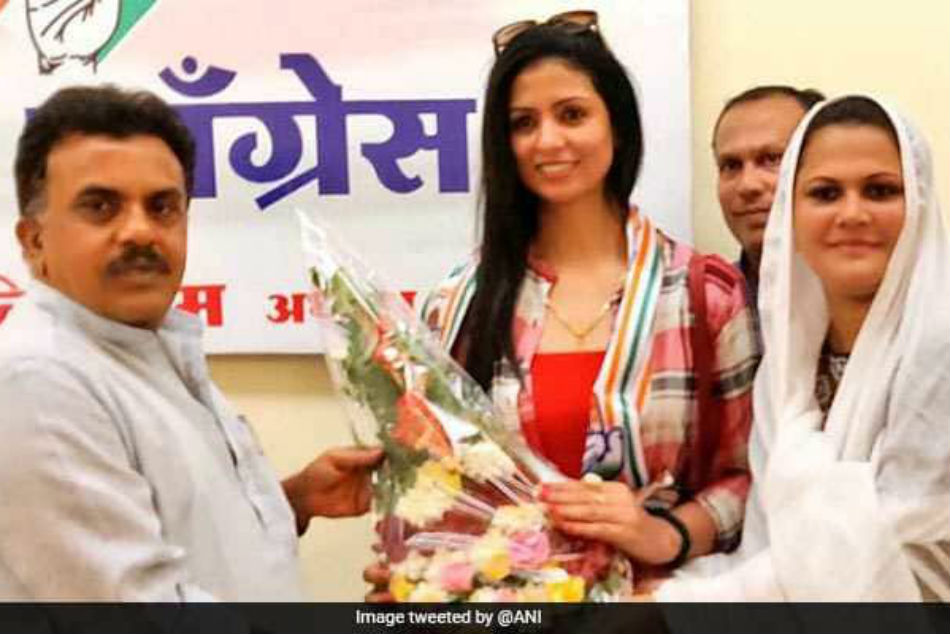 Cricketer Mohammed Shamis Wife Hasin Jahan Joins Congress