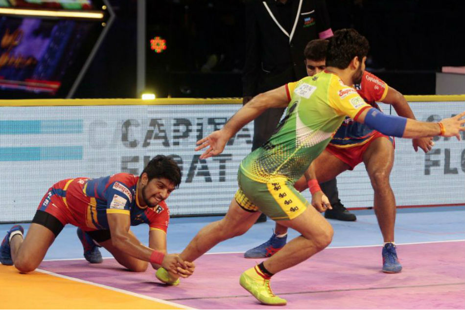 Pro Kabaddi 2018 Patna Pirates Beat Up Yoddha 43