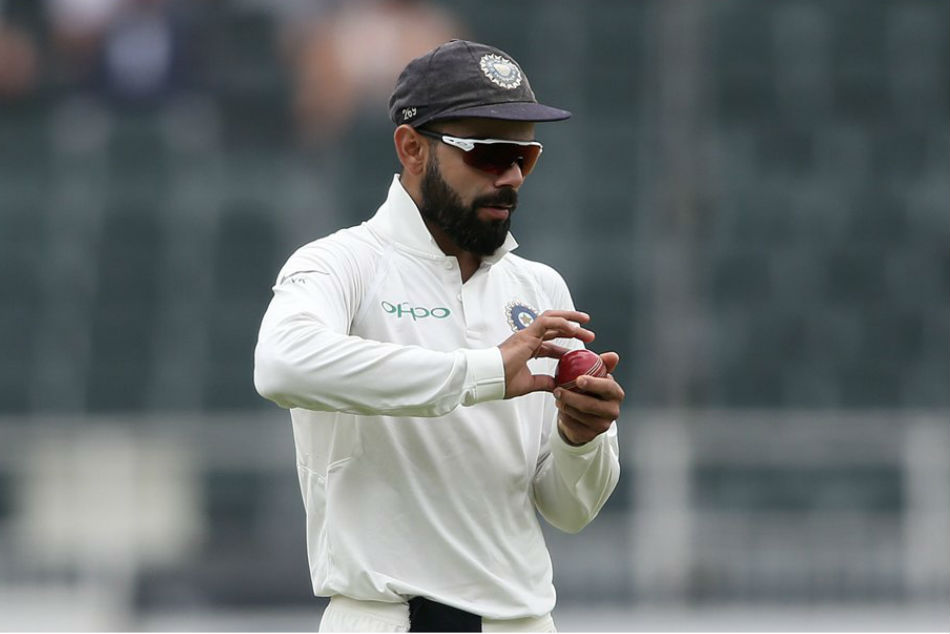 Kohli criticises quality of SG ball, and prefers the Dukes for Test cricket