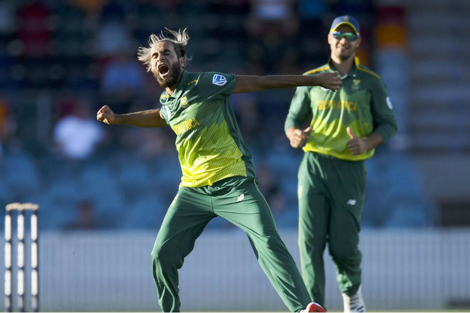 Imran Tahir Celebrates Fall Wicket On No Ball Watch Video