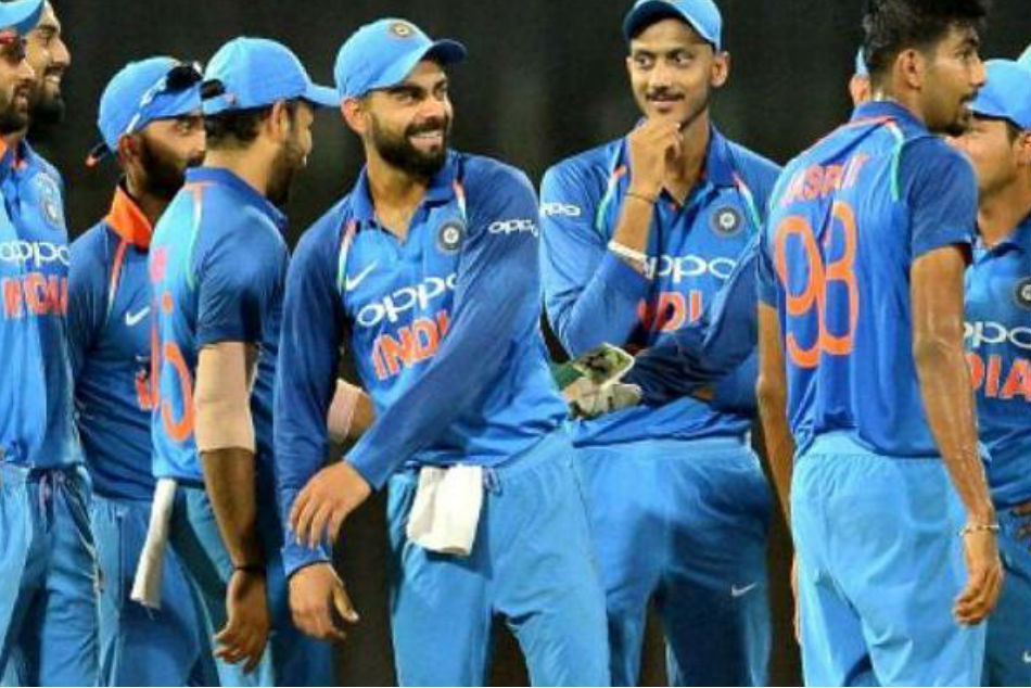 MS Dhoni Returns to T20 Set Up, Rishabh Pant Left Out from ODIs