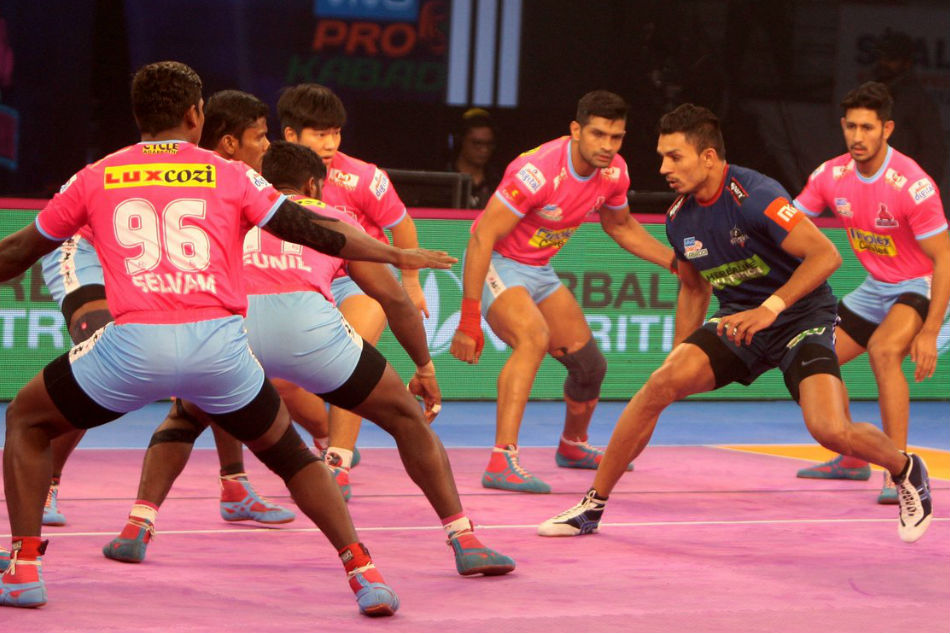 Dabang Delhi Play Thrilling Tie Against Jaipur Pink Panthers