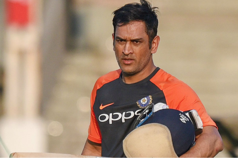 MS Dhoni must play domestic cricket for India selection: Mohinder Amarnath