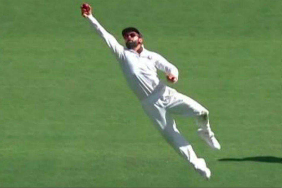 Virat Kohli takes acrobatic slip catch to send back Peter Handscomb-Watch