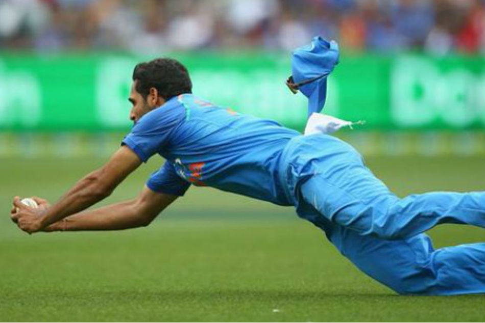 India Vs Australia Bhuvneshwar Takes Blinder Remove Glenn Maxwell