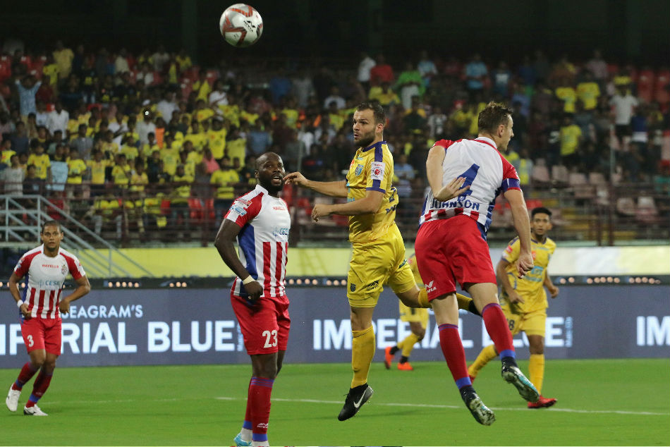 ISL: Late drama as Kerala, ATK share the spoils