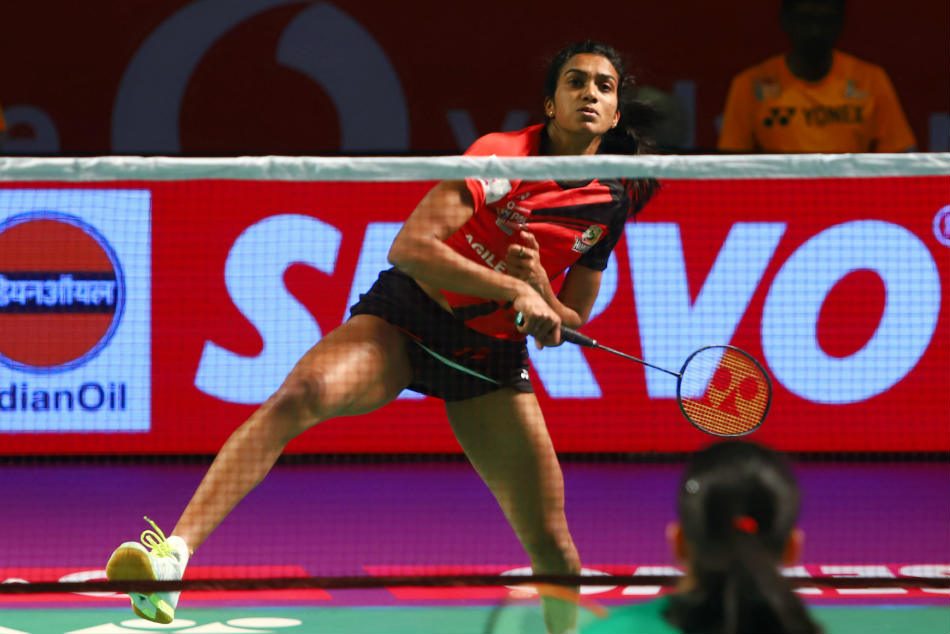 Pbl Sindhu Caljouw Take Hyderabad Hunters Top Standings