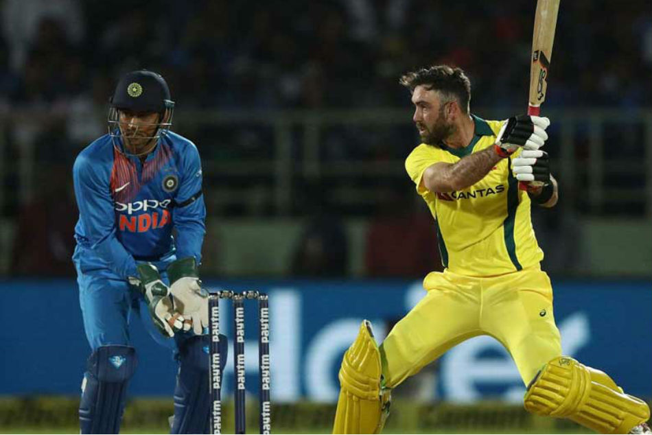 MS Dhoni finds support from Aussie star after 'strike-rate' criticism