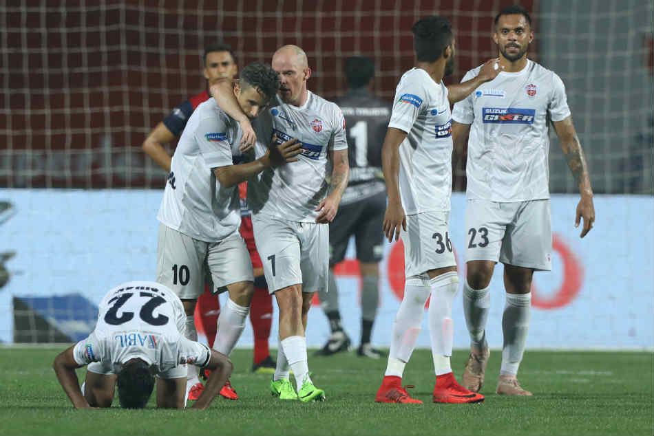 Isl Pune City Blow For Jamshedpurs Play Off Hopes