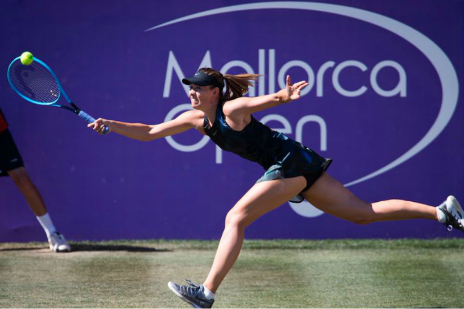 Maria Sharapova Makes Winning Return In Mallorca Open