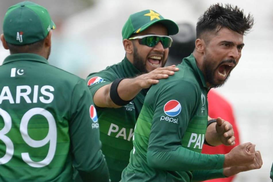 ವಿಶ್ವಕಪ್ Live: Pak vs NZ, ನ್ಯೂಜಿಲೆಂಡ್ಗೆ ಆರಂಭಿಕ ಆಘಾತ