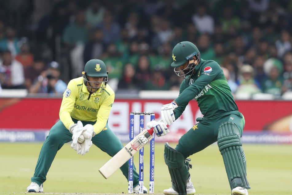 Pakistans Mohammad Hafeez to Retire after T20 World Cup