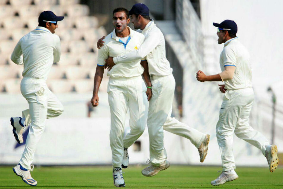 Ranji: Karnataka Vs Baroda Day Second
