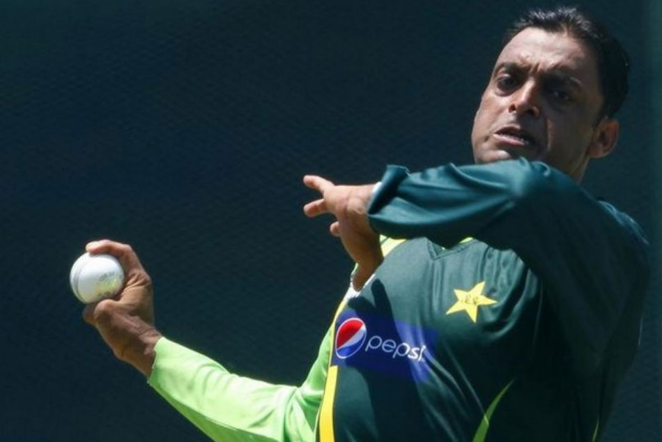 shoaib-akhtar-requests-india-to-provide-10-000-ventilators-for-struggling-pakistan