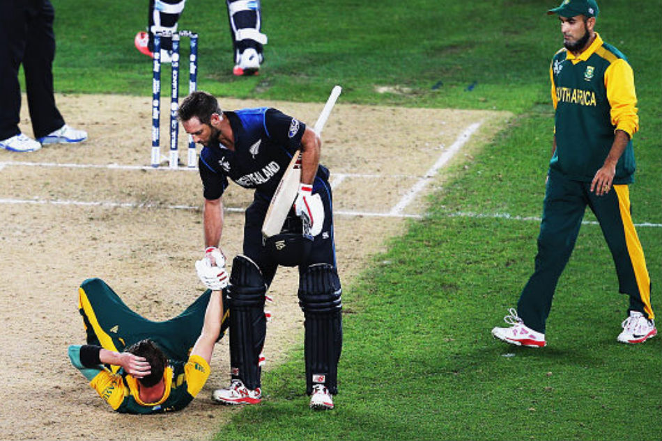 Top 5 Moments When Cricketers Showed Sportsman Spirit On The Field