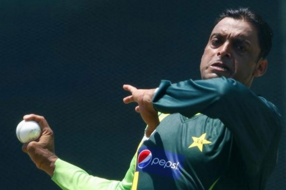 Speed star Shoaib Akhtar reacted on Jasprit Bumrahs action