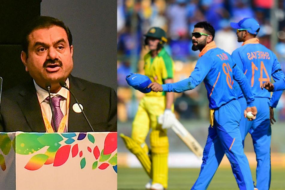 ಭಾರತ vs ಆಸೀಸ್: ಅದಾನಿ ವಿರುದ್ಧ ಇಬ್ಬರಿಂದ ಪ್ರತಿಭಟನೆ-ವಿಡಿಯೋ