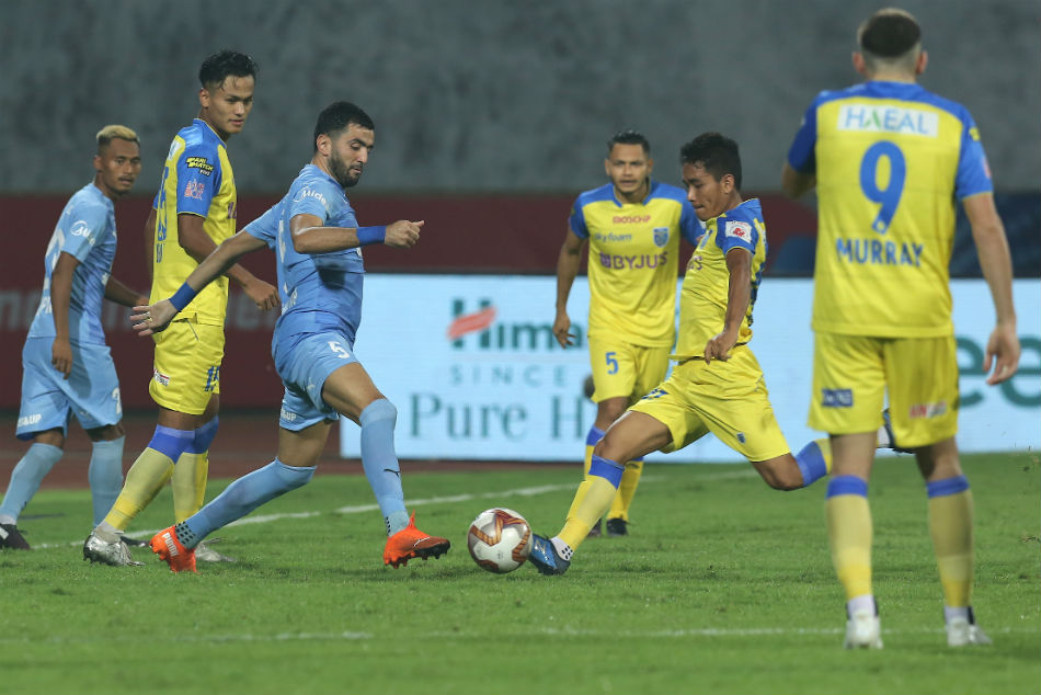 Mumbai City survive spirited challenge by KBFC to reclaim top spot