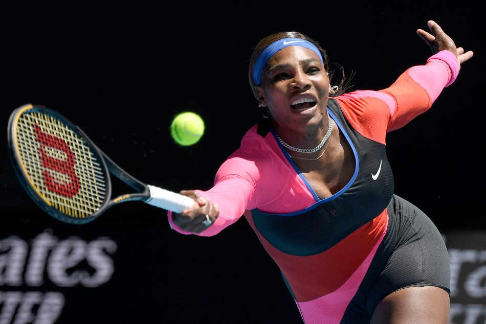 Serena Williams advances in Australia; fans to be banned for 5 days