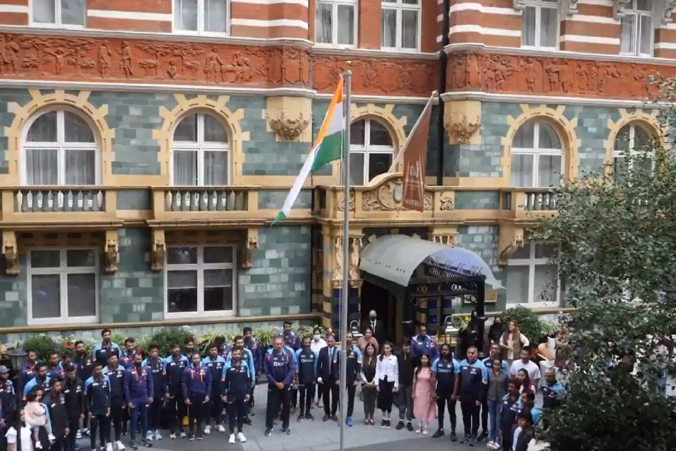 ಭಾರತ vs ಇಂಗ್ಲೆಂಡ್: ಇಂಗ್ಲೀಷರ ನೆಲದಲ್ಲಿ ಸ್ವಾತಂತ್ರ್ಯೋತ್ಸವ ಆಚರಿಸಿದ ವಿರಾಟ್ ಬಳಗ