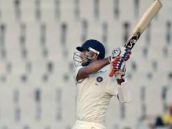 st Test India Set 218 Run Target South Africa