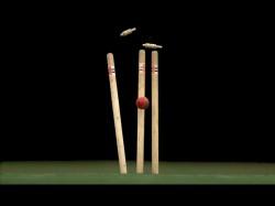 Ranji Trophy Australian Umpire Suffers Head Injury During Match
