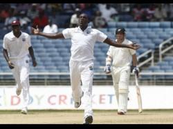 Ipl Mumbai Indians Sign West Indies Pacer Taylor For Malinga