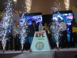 Kpl 2016 Brijesh Patel Unveils Karbon Trophy