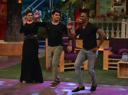 Dwayne Bravo Does Salman Khan S Towel Dance