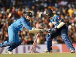 Dhoni Gets 99th Stumping Victim Equals Sangakkara S Record