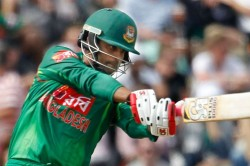 Bangladesh Opener Tamin Iqbal Played In One Hand Against Sri Lanka