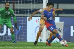 Isl 2018 Mumbai City Fc Hold Bengaluru Fc 1 1 Draw