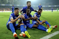 Isl Mumbai City Clinch Thumping 6 1 Win Over Kerala Blaster