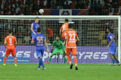 Indian Super League Mumbai City Win But Goa Reaches Final
