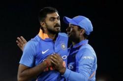 Icc World Cup 2019 Vijay Shankar Reacts To Ambati Rayudus3d Tweet