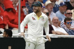 Ashes Test David Warner Empties Pockets To Win Crowd