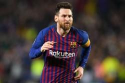 Messi Rapinoe Win Fifa Player Of The Year Awards